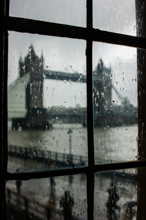 "wonderous-world:  ""Oh so London"" by Georgia Mizuleva"
