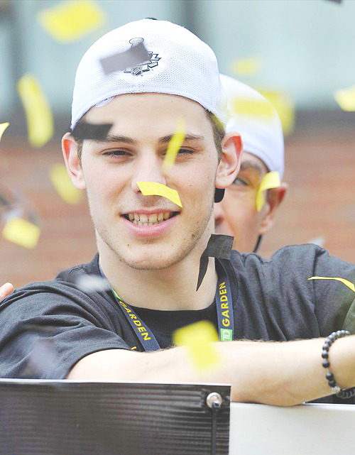 21/30 - pictures of Tyler Seguin.