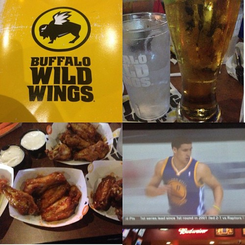 Getting wild with the Warriors game up in Buffalo Wild Wings @sirrandizzle @jayejangar @aprilbelles