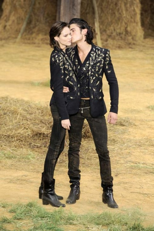 fashionloveskarl:  Freja And Baptiste At Chanel Spring Summer 2010