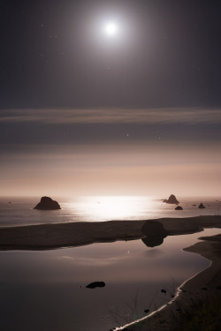 unranged:  Lunar Waters  Long exposure of the setting moon  This was taken the same night this shot was, about an hour earlier. These shots were my first real experience doing long exposure night shots, and the first time I made a real effort to capture the stars.  View on Flickr  View on 500px
