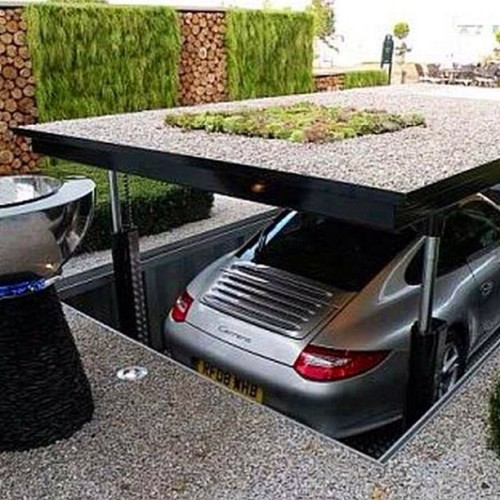 That's a cool secret garage