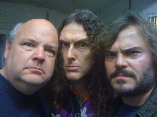 asksirlantern:  chocolatesprinklesroyale:  demonsee:  Tenacious D and Weird Al………..AWESOME  My hand slipped and accidentally had to reblog this awesomeness.  YES