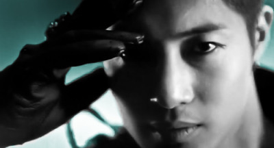 theartofkimhyunjoong:  [edit] Whoa!  You're killing me with that look!  ***faint***