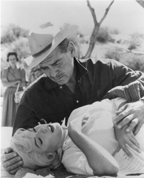 thebeautyofmarilyn:  Marilyn and Clark Gable on the set of The Misfits, 1960.