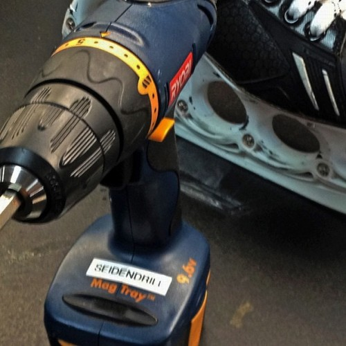 Dennis Seidenberg wears unique T-Blade skates that require a #Seidendrill. Watch how the unique blades are adjusted in the latest BRUINS :30 on the Bruins Mobile App & BostonBruins.com #nhlbruins