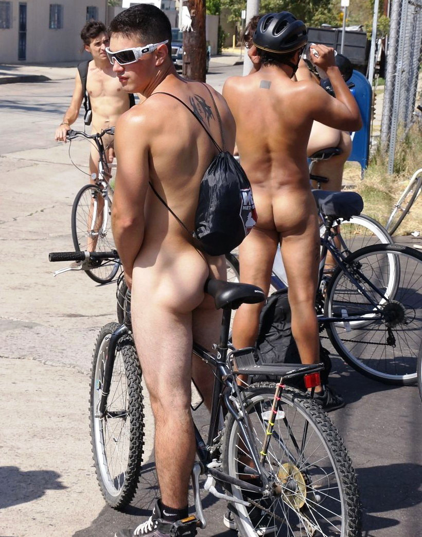 aplethoraofmen:  Naked Bike ride