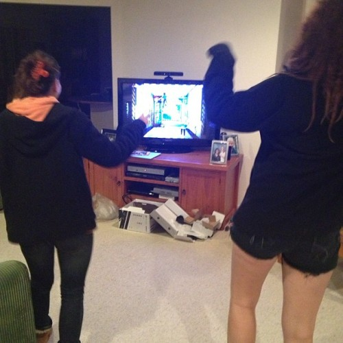 homelesstrolley:  Kinect is happening!  KINECTING.