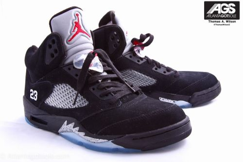 "clitamortis:  thatboyvoy:  Jordan 5 ""Metallic's""  On my wishlist"
