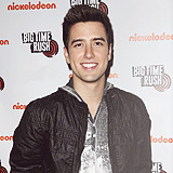vivalajosie:  guys i want to climb like a tree → Logan Henderson