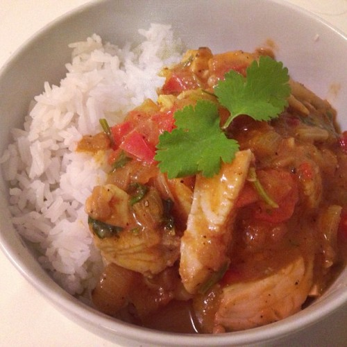 [HomeCookin'] Indian fish curry w/ enoki mushroom, baby kale and basmati. #food #yum #seafood #healthy