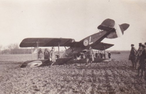 Crashed Warplanes…Image #3: A RFC Bristol F.2 fighter crashed upside down during World War One.