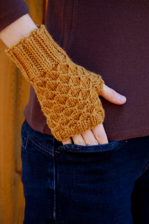 knittingfuckyeah:  (purchase pattern)