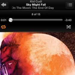 Nothing like some throwback cudi on my way to work on this rainy Sunday 👍🎧