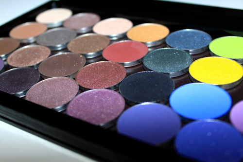 Makeup Geek eyeshadows! New blog post about the eyeshadows, check it out HERE
