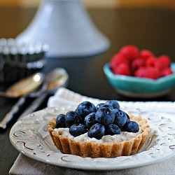 findvegan:  Fruit Tart: Linzer Cookie Crust + Lemon Cream Pastry