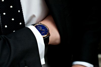 watchanish:  Spotted in London… The Arnold & Son HMS1 in yellow gold. As formal and freaking beautiful as they come