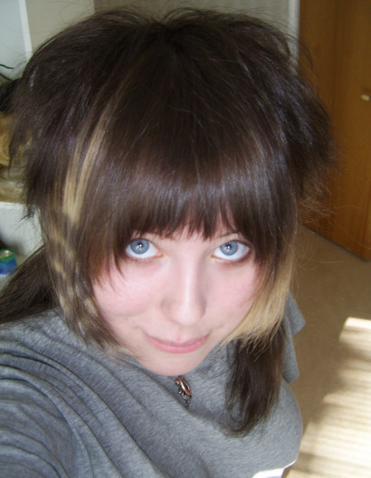 Yikes I remember this hair. I sorta miss the big, warm feeling into it. ;v;