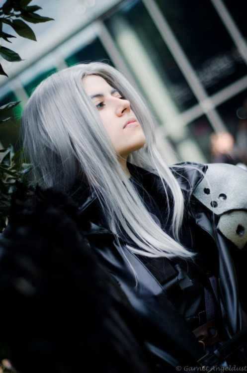 Sephiroth from Final Fantasy VIICosplayer: Hirako-f-wPhotographer: Garnet Angeldust