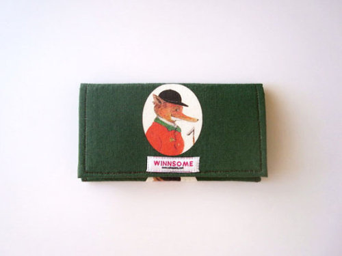 the fox hunter mini winnsome clutch