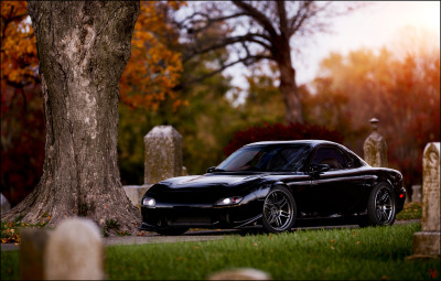 carpr0n:  Gravedigger Starring: Mazda RX7 (by VisualEchos)