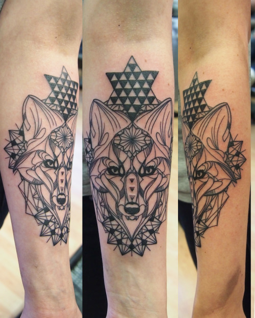 simabbott:  Julias Fox Tattoo by Sim Cosmic Tattoo UK