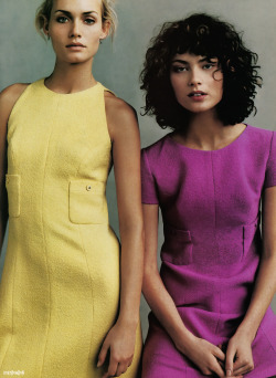 timeless-couture:  Amber Valletta and Shalom Harlow photographed by Steven Meisel for Vogue US January 1996 Styling by Grace Coddington