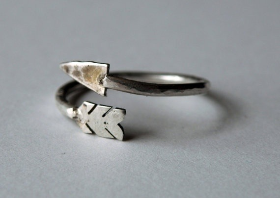 caramichele:  manchannel:  Arrow Ring by HeroKing   NEED