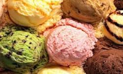 europaconnection:  Today is the day of hand-made ice cream in Hungary! If you happen to be there, have an ice cream for half price!