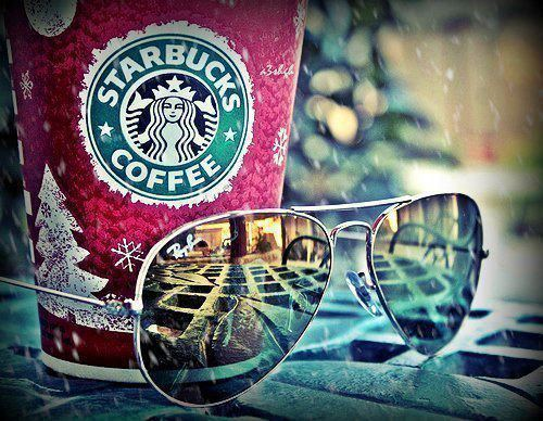 jojnitsuga:  Starbucks - Kuvat | Facebook en We Heart It. http://weheartit.com/entry/54753131/via/beyourownsuperman