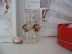 My friend Lucy got me these Courtney & Kurt earrings :)