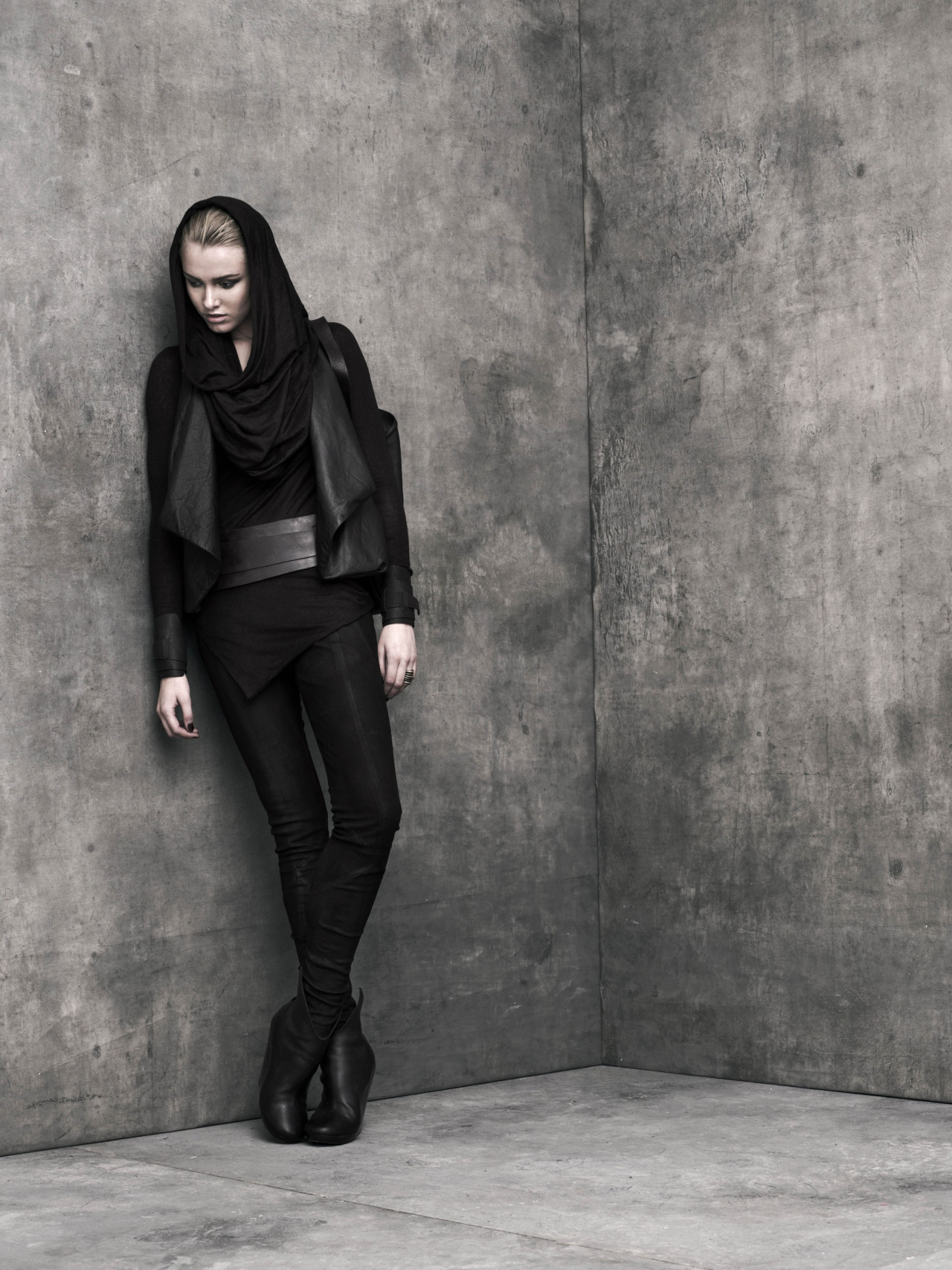 "URBAN ZEN by Donna Karan - ""Reflections"" collection"