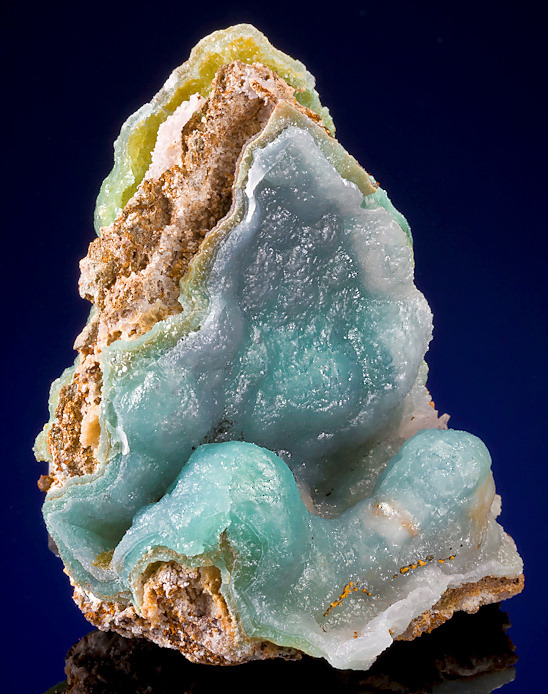 mineralia:  Smithsonite from Mexico by Exceptional Minerals