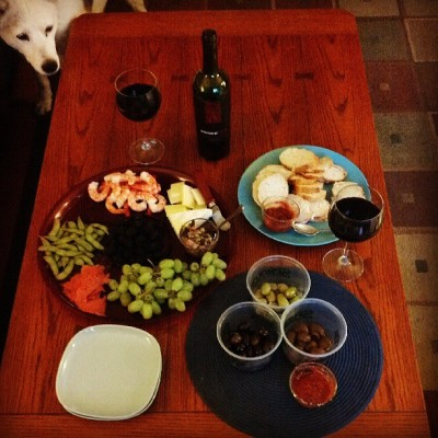 #happyhour #redwine #apothic #shrimp #cheese #olives #fruit #kidsgone