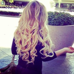 forever-and-alwayss:  I love when my hair is like that