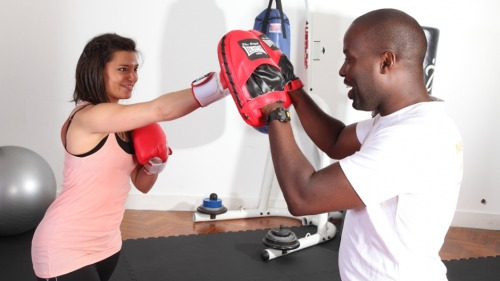HELP & ADVICE INTO THAT DRESS: ARM TONING EXERCISES BY TIM MUGABI This article is the first in a series on which we'll target specific areas of your body in the run up to your big day. This month, it's all about your arms and how to give them a sleek, toned appearance. Here are five exercises to for achieving amazing arms: PRESS UP I've yet to meet a bride-to-be that meets the idea of press ups with lots of enthusiasm. In my experience, women tend to find them more difficult than men due to the difference in upper body strength. But the fact is, press ups are an excellent upper body toner, working the muscles in your chest, shoulders and the back of your arms. They are an effective weapon against those dreaded 'bingo wings'. If you do find press ups difficult, start by performing the exercise on your knees before moving onto the full press up pictured below, on which you balance on your toes as opposed to your knees.