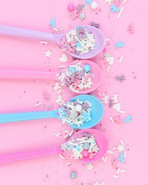 kidcore pink neon sprinkles food aes