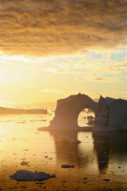 theoceanrolls:  Golden Hour- Disko Bay, Greenland (by loveexploring)