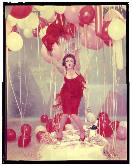 Marilyn Monroe impersonating Clara Bow by Richard Avedon, early 60s. (Source unknown)