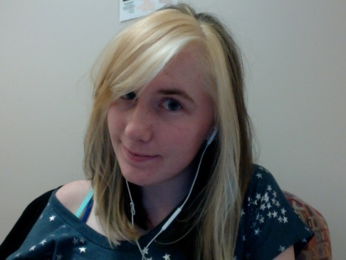 got my hurr cut plus an additional 20% more blonde! (what a surprise!)