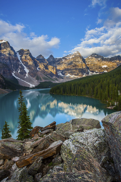 tearingdowndoors:  Moraine Lake | PuttSk