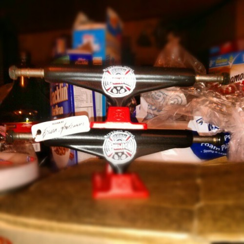 My new independent trucks (brian anderson) 8.5 @independenttrucks @girlskateboards @chocolateskateboards @prettysweet #briananderson #independenttrucks #chocolateskateboards #newtrucks #skate #skatelife #skating #skatemonkey #skateboarding #skatestyle #skateswag #302 #Delaware #goodshit #redandblack