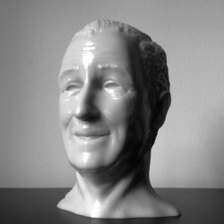 Fresh from the 3D printer, a Walt Disney face piece by the almighty David Oreilly.