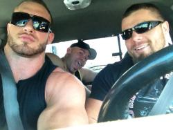 arkjared:  fuckingfatmuscle:  male-pulchritude:  Road trip anyone?  hot damn I wanna ride Heeeeey bros!  beyond the beef limit for that truck