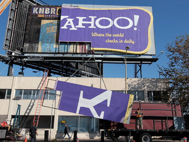 Yes, Yahoo Is Going to Run More Ads on Tumblr, Says Marissa Mayer Peter Kafka, allthingsd.com Yahoo paid $1.1 bil­lion for Tum­blr. How's it going to make its money back?A bunch of ways, Maris­sa Mayer explained on a con­fer­ence call today. But if you're a Tum­blr user who was hop­ing that those ways didn't involve putting more ads on…
