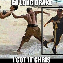 panties-n-pumps:  G'morning world … This has to be the funniest #drake #meme I've seen so far. #poordrake #poorrihanna #rihanna #chrisbrown #photoshopfiasco #thesememeshavemedying #hesnevergonnalivethisdown #peoplejustwontlethimlive