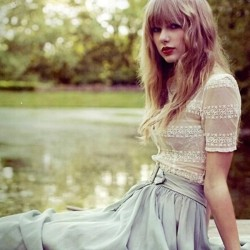 californiastyley:  All red photoshoot pics Taylor Swift ❤ liked on Polyvore