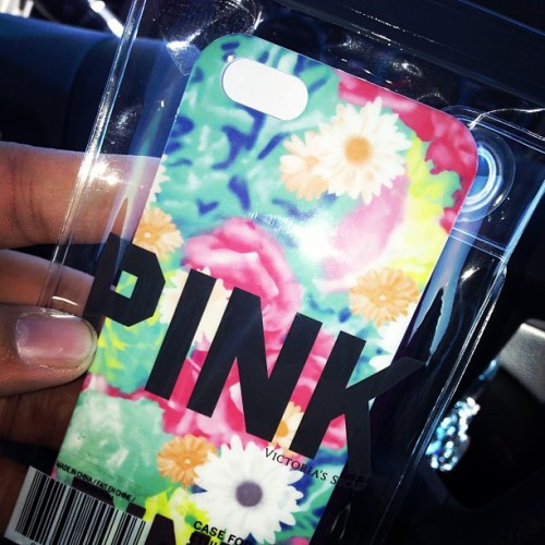 New Phone Case!!!!! Ahhh! I Fkkn Love it. #vspink #victoriasecret #iphone #cases #iphonecase #iphone5