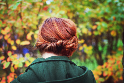 conducives:  Cinnamon Bun Chignon (by Simply Stardust)