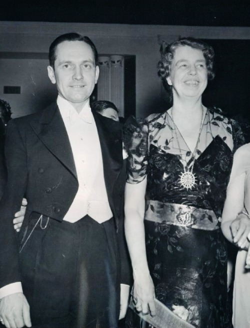Fredric March with Eleanor Roosevelt, 1938